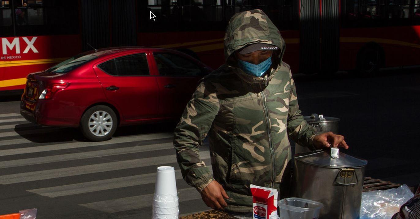Vendedores ambulantes en las calles de México DF.