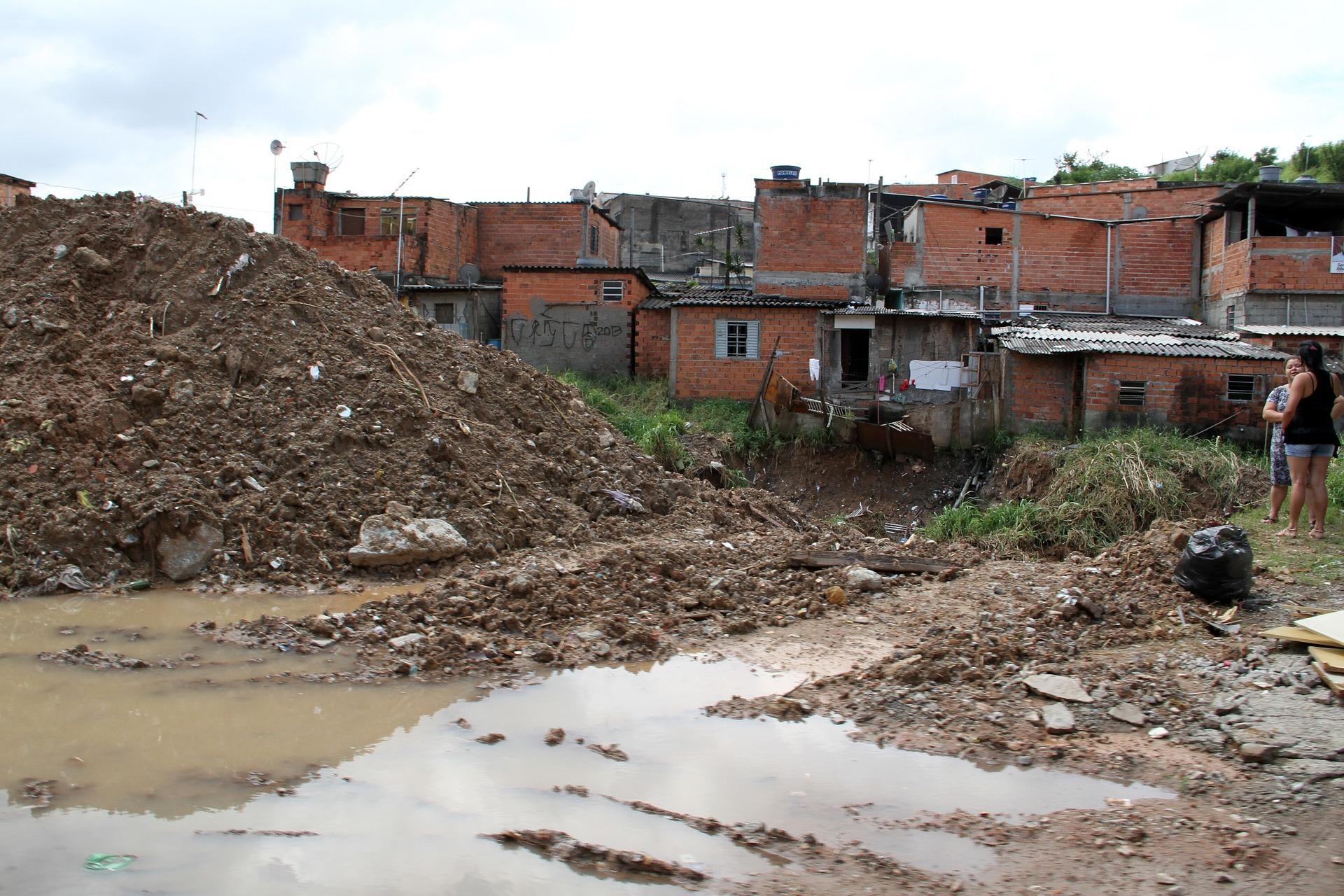 La eliminación de efluentes sanitarios no tratados en el suelo es una práctica común en varios lugares del mundo