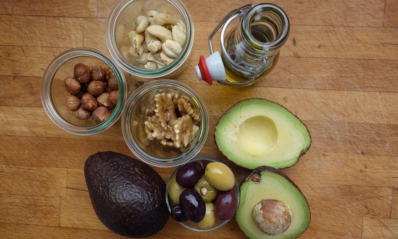 Para reducir las grasas saturadas de la dieta es posible consumor alimentos con desgrasados.